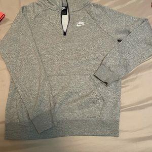 Bundle of 2 Nike shirts and a Nike jacket